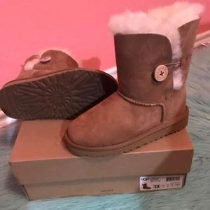 Youth uggs